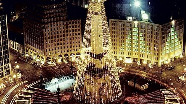 Circle of Lights in Monument Circle