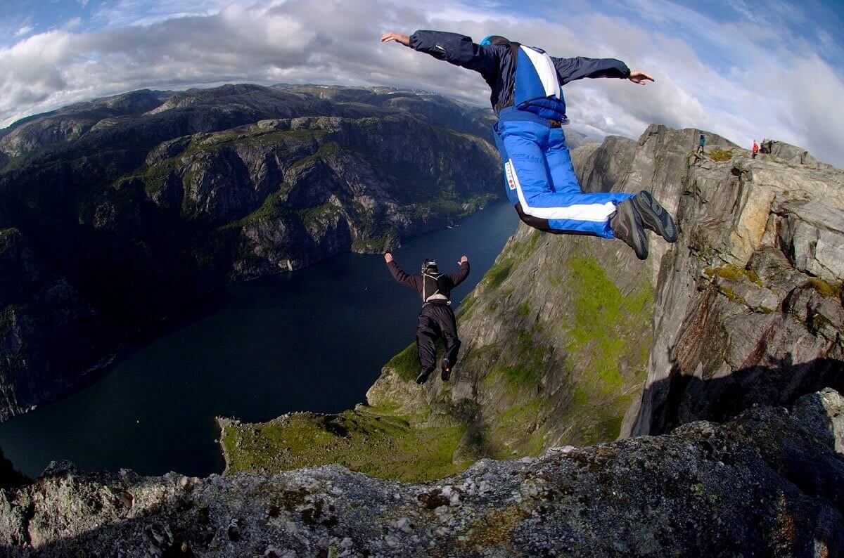 It's thought that one in sixty BASE jump participants die.