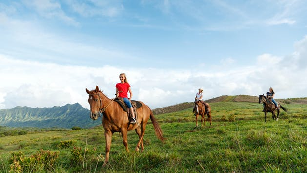 Kids-Horseback-Riding-in-Kauai