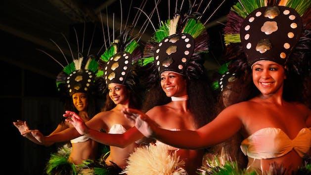 Tahitian-Dancers