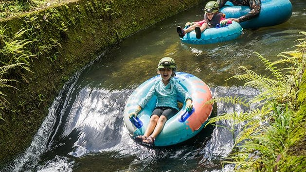 Child-Tubing-Adventure-in-Kauai