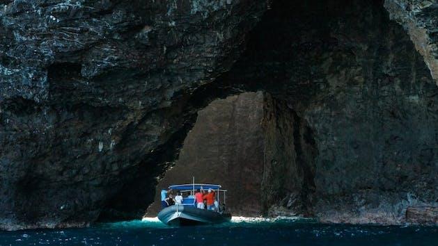 Kauai-Sea-Cave-Boat-Tour