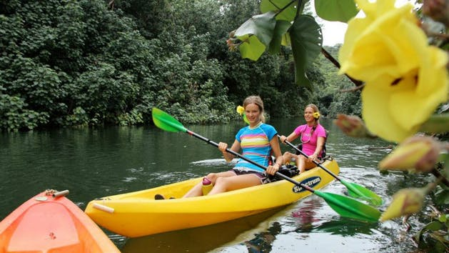 Kayaking-on-Wailua-River