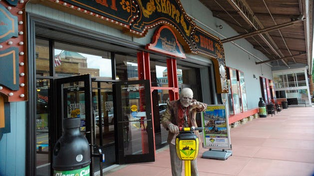 Pittsburgh Segway tour with a scary masked guy