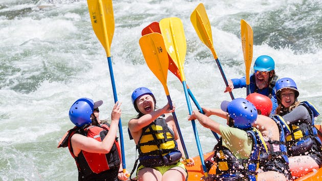 Sierra South Class IV Rafters Hi Five paddles