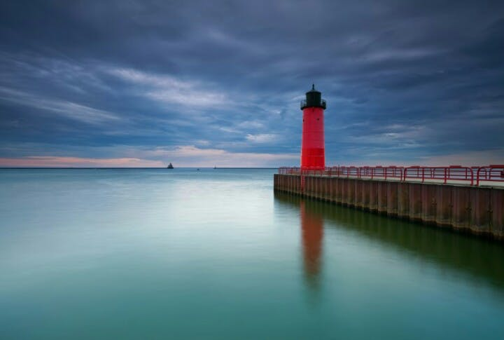 Kayaking Milwaukee Lighthouses