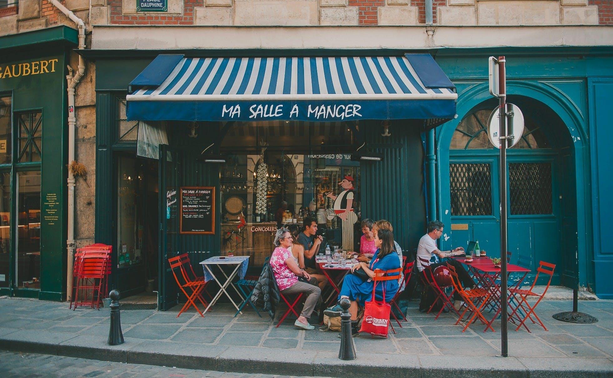 Experience Bohemian Paris Paris City Tour Urban Adventures