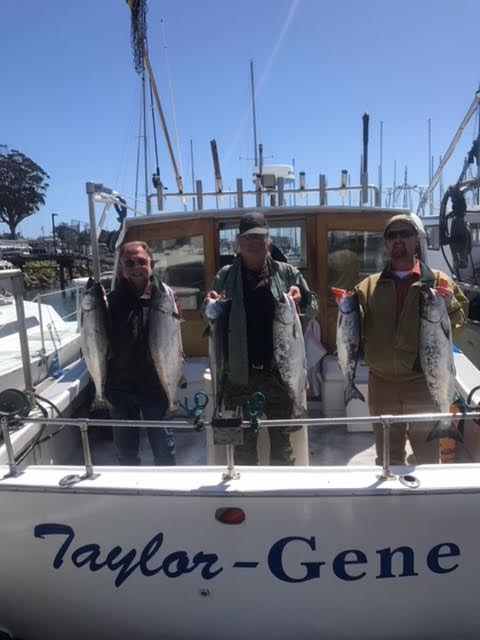 Art's 3 man group w salmon at dock