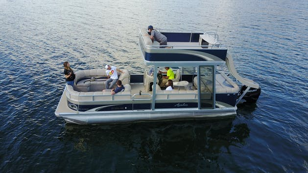 Group in Premium Pontoon