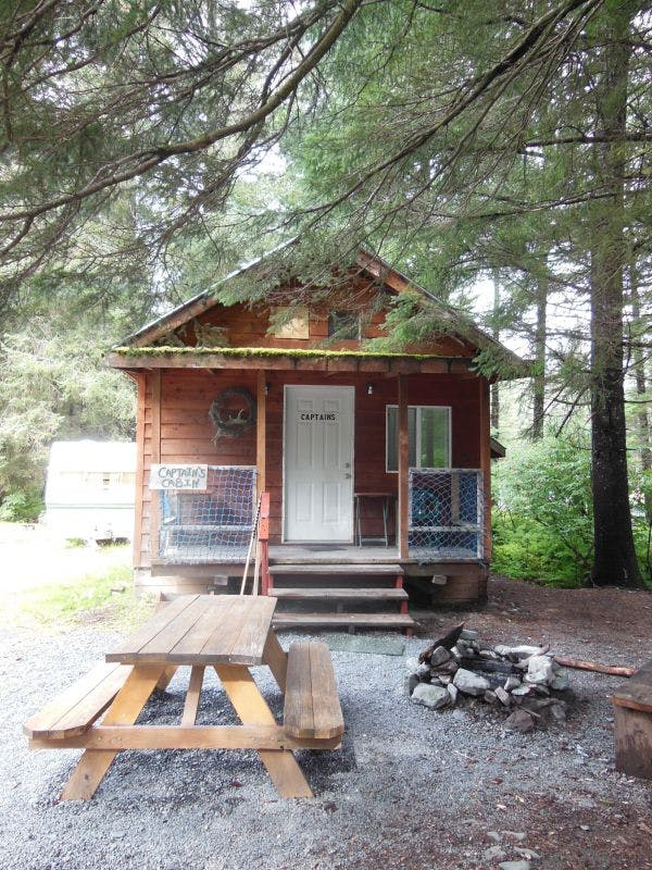 Captain's Cabin in Seward Alaska