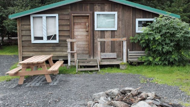 Crow's Nest Camping Cabin in Seward