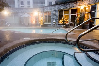 Summit Lodge Hot tub in Whistler