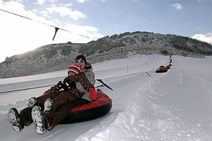 Snow-Tubing-in-Steamboat-Springs