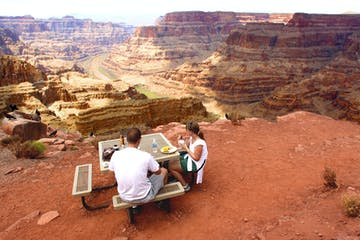 Lunch-on-the-Rim-at-Guano-Point
