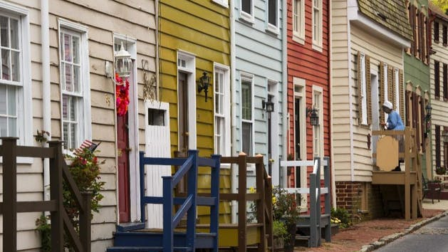 Colorful-Annapolis-Row-Houses