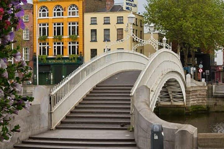 Hapenny bridge Dublino italiano