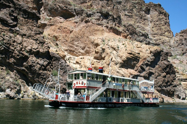 Dolly Steamboat cruise