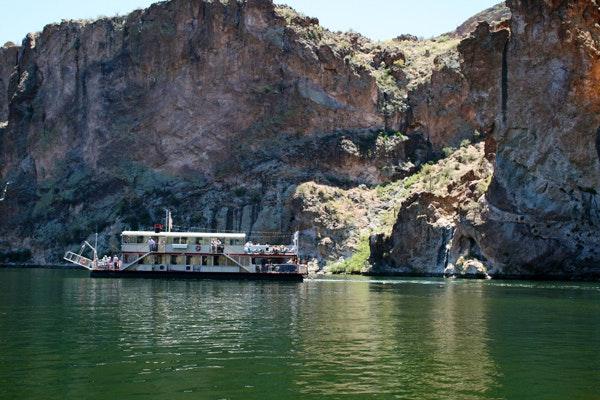 Dolly Steamboat on Canyon Lake, Arizona