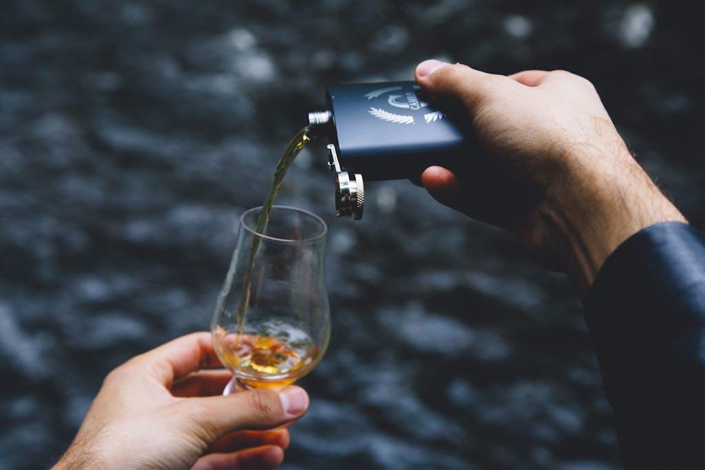 Whisk glass