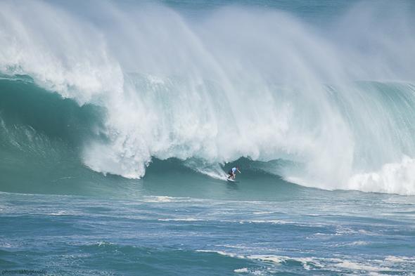 surfing eddie aikau