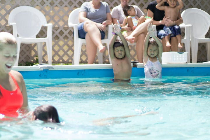 preschool aged kids taking a swim class