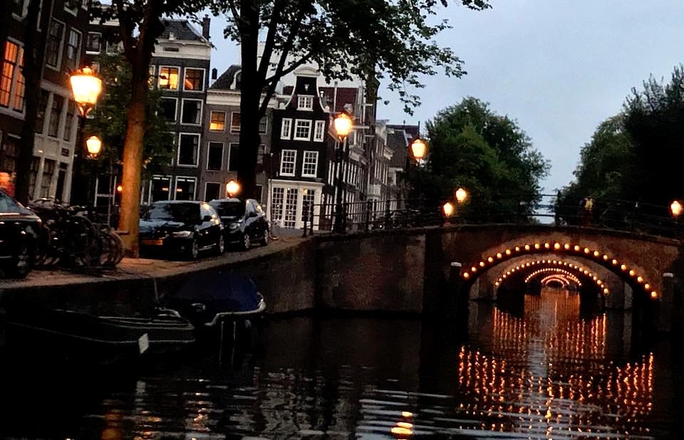 Four hours in Amsterdam with the eyes of an avid stopwarden