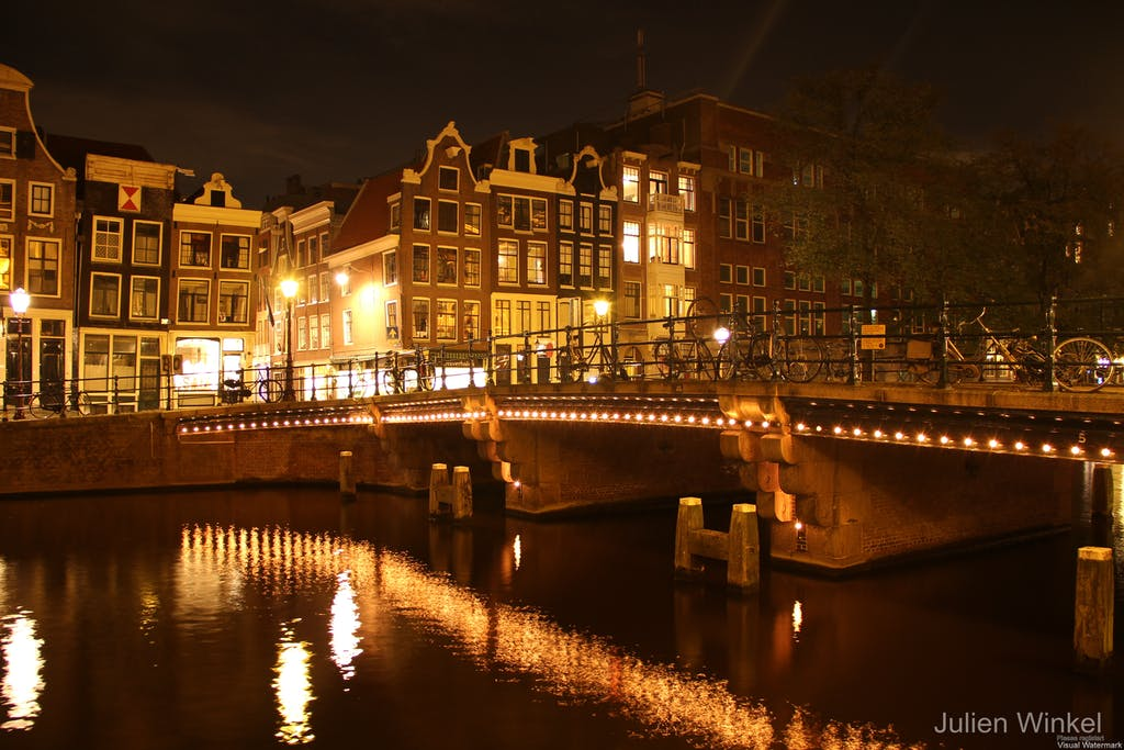 Amsterdam in the night romantic getaway in Amsterdam