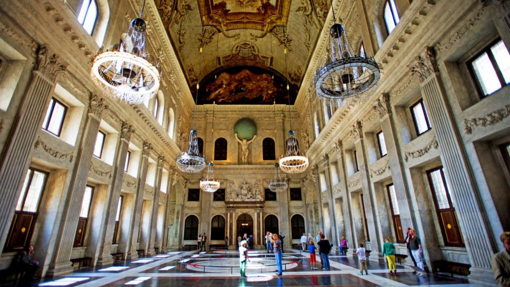 The interieur of the Royal Museum during your Romantic trip to Amsterdam