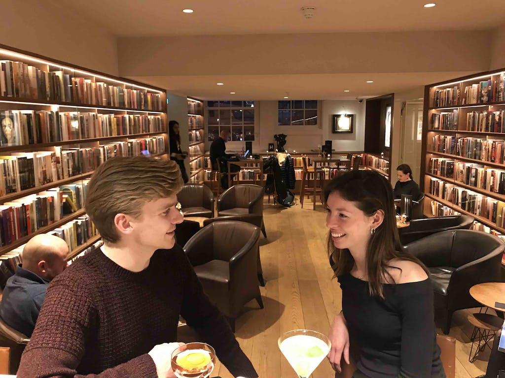 Wedding proposal in Amsterdam in ambassade hotel