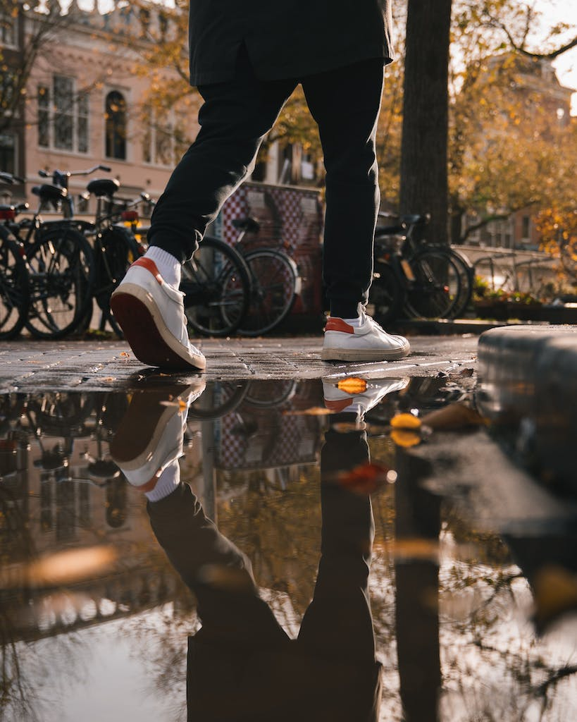 walking in Amsterdam is the bet way to explore the city