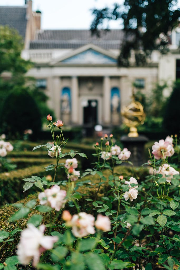 Garden of Museum van Loon a must see in Amsterdam