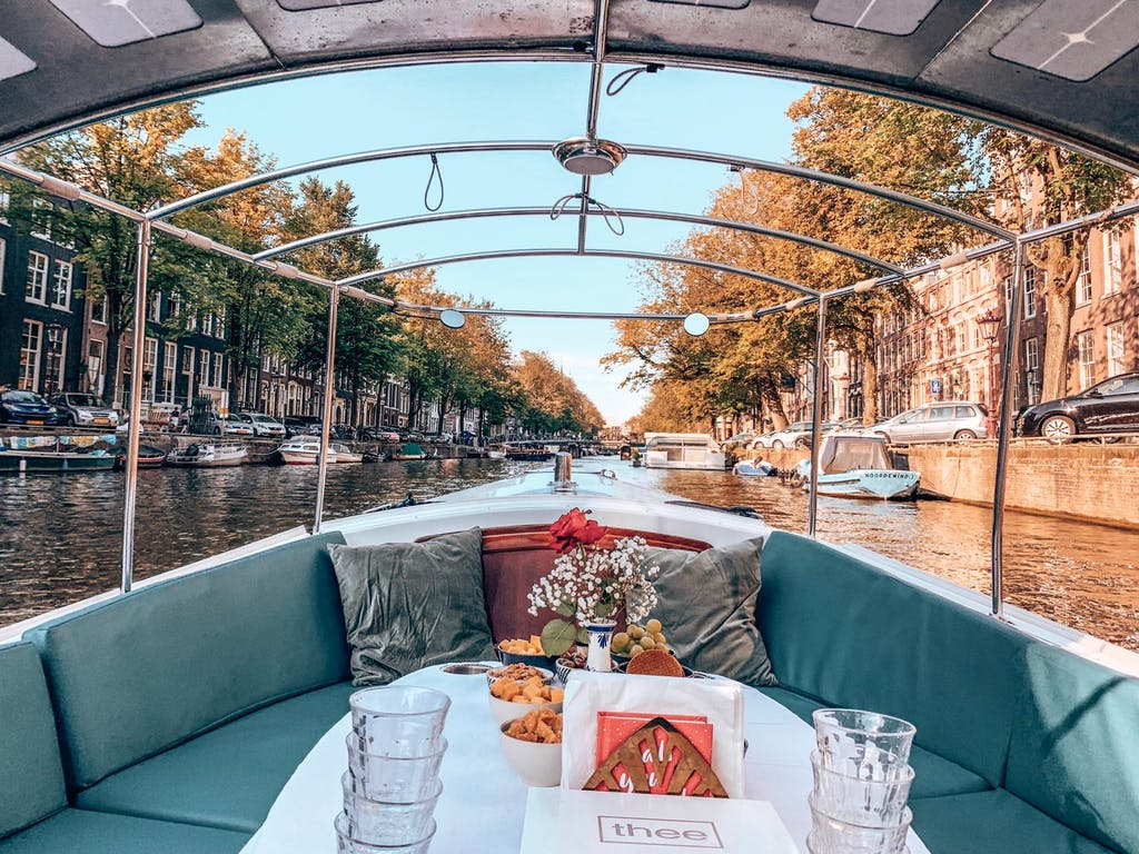 Romantic canal tour in Amsterdam on your weekend in Amsterdam