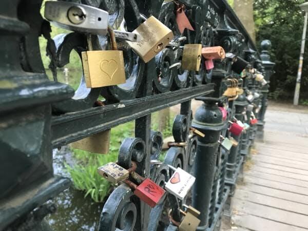amsterdams new love bridge