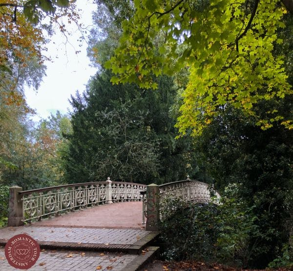 Unique bridge to propose in Vondelpark