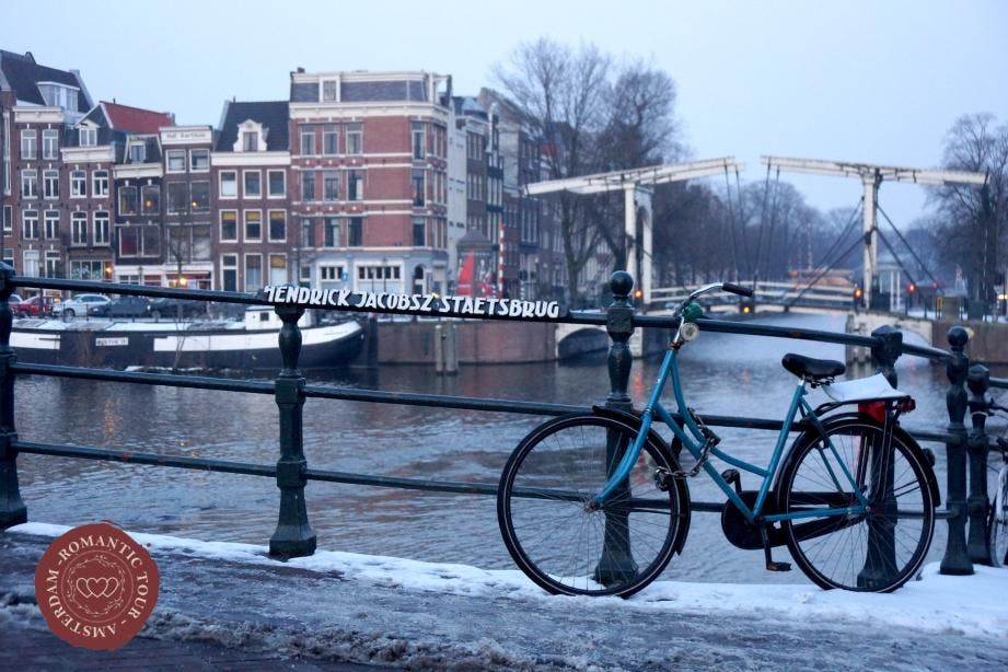 Romantic bike tour Amsterdam