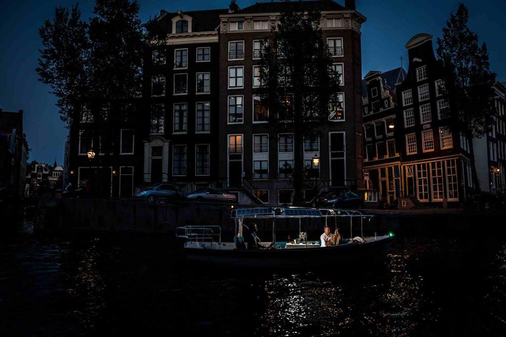 Romantic night cruise in Amsterdam