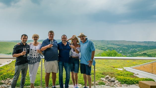 Romanian-Wine-Tasting-Group-at-Winery