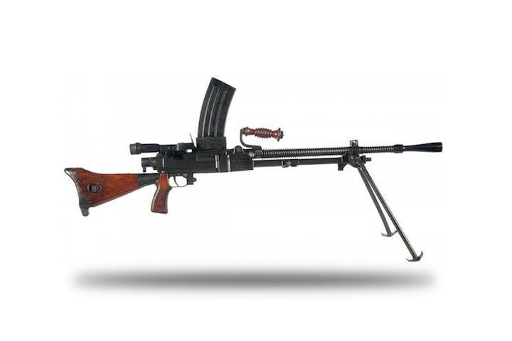 Shoot The Type 99 Light Machine Gun | Battlefield Vegas!
