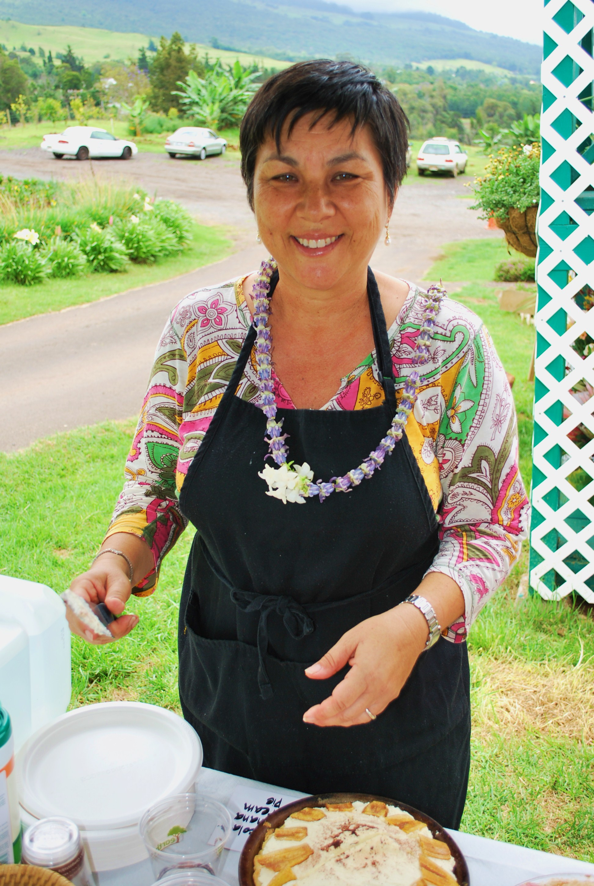 Dania Katz (advertising sales) of Edible Hawaiian Islands