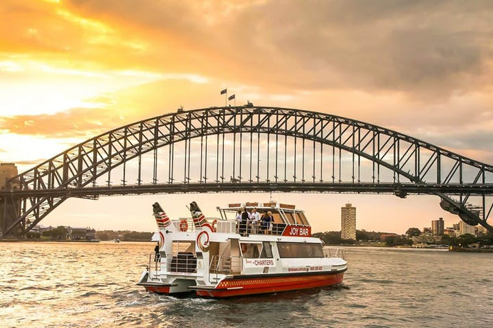 Joy-Bar-Sydney-Sunset-Cruise
