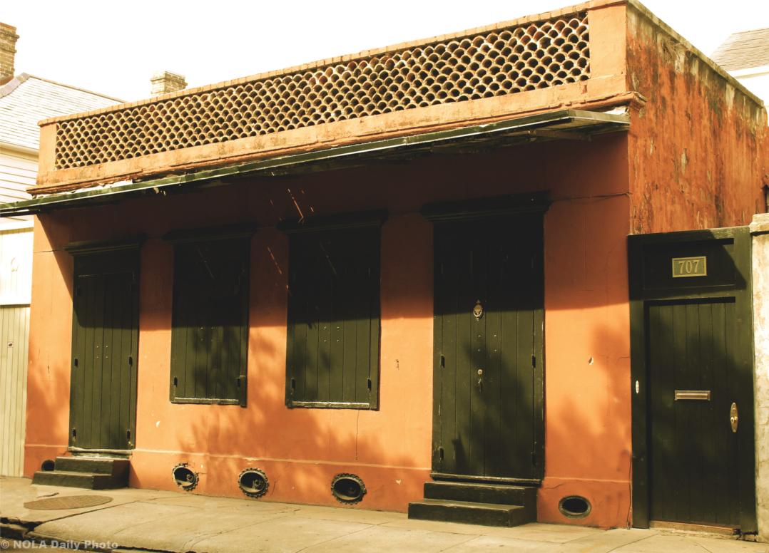 de-la-tour-house
