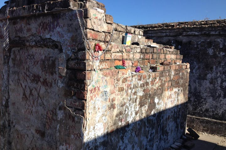 St Louis Cemetery #1 | Lucky Bean Tours