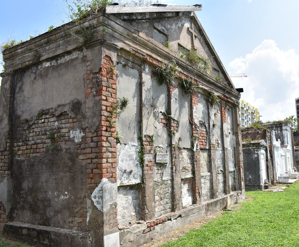 Self-guided Tour Of St  Louis Cemetery #2 | Lucky Bean Tours