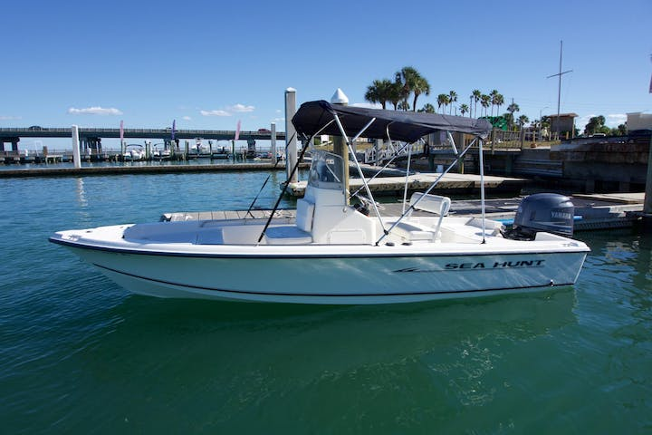 18' SeaHunt Bay Boat