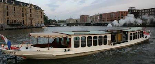 Saloonboot Wolk