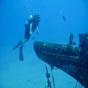 Maui diving exploring the Carthaginian Wreck.