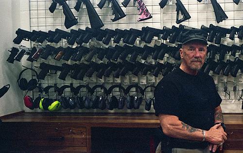 Handgun shooting instructor