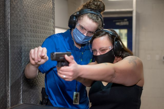 1-on-1 handgun training in Las Vegas