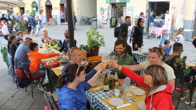 Lucca-Restaurant-Toast