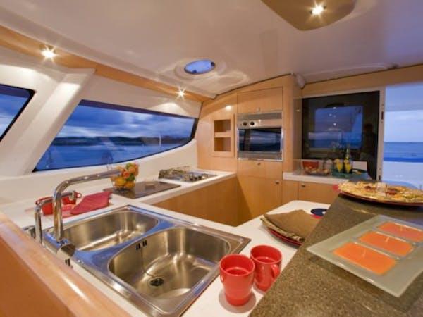 L'Escapade Charter Tahiti boat interior